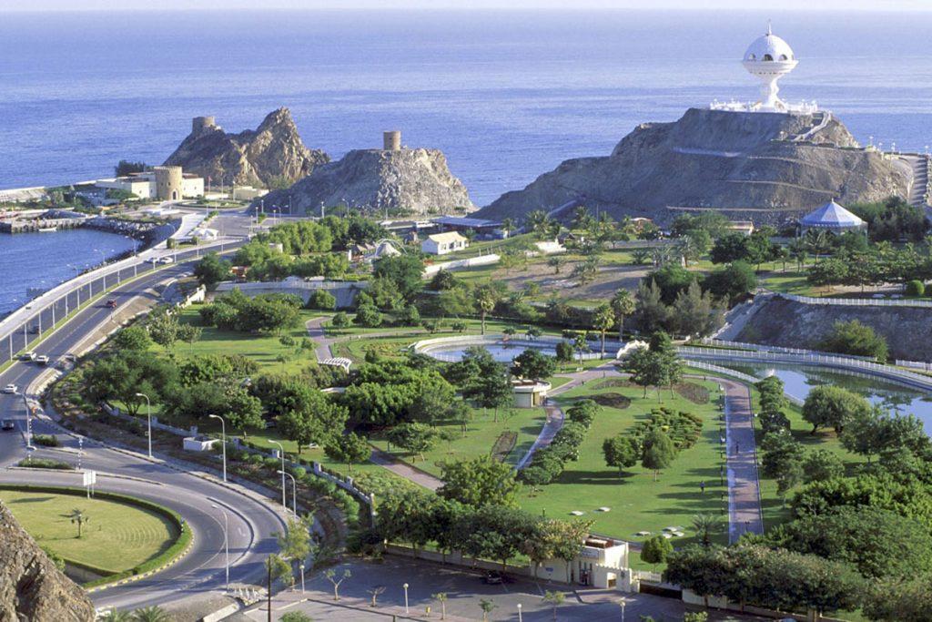 مهاجرت و اخذ اقامت عمان