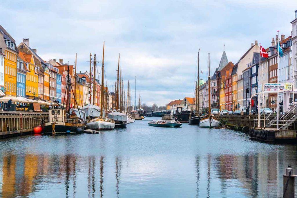 اشتغال به کار و استخدام در دانمارک