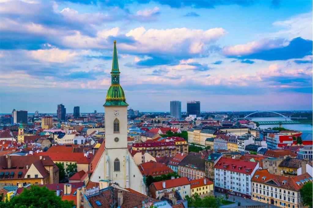 اشتغال به کار و استخدام در اسلواکی