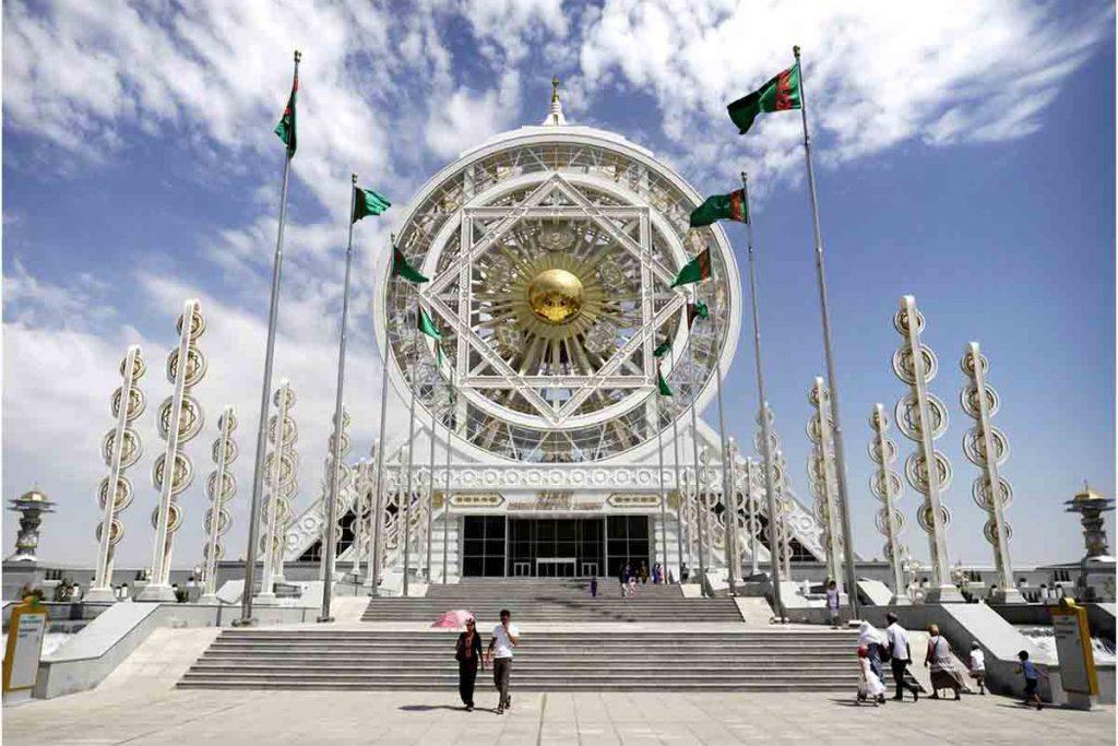 اشتغال به کار و استخدام در ترکمنستان